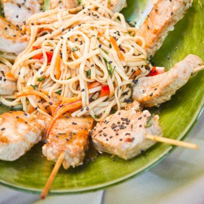 asian spaghetti and chicken
