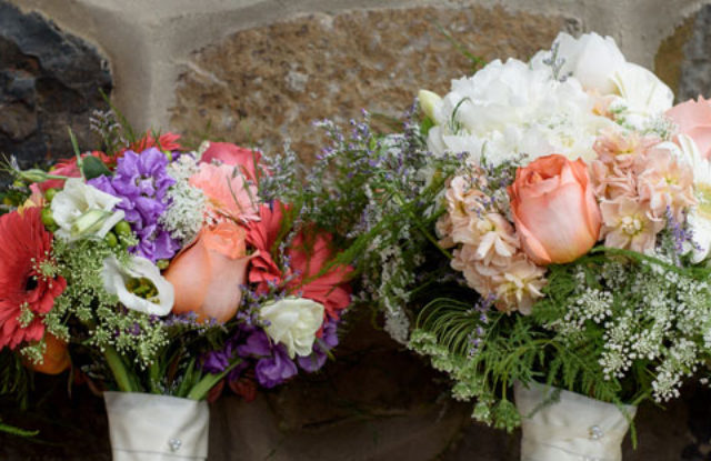 bridal party bouquets side by side
